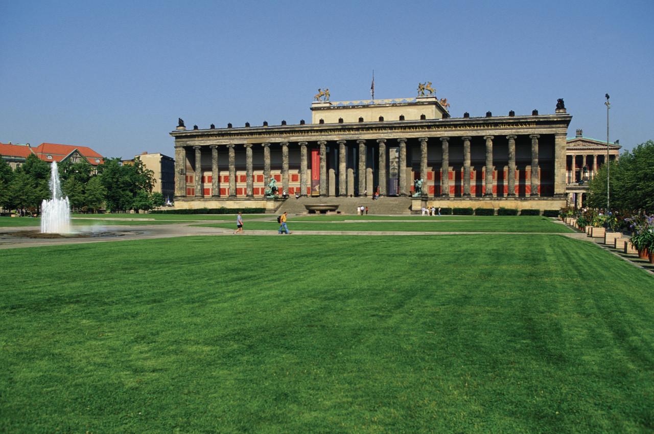 Lustgarten - Altes Museum (© Author's Image))