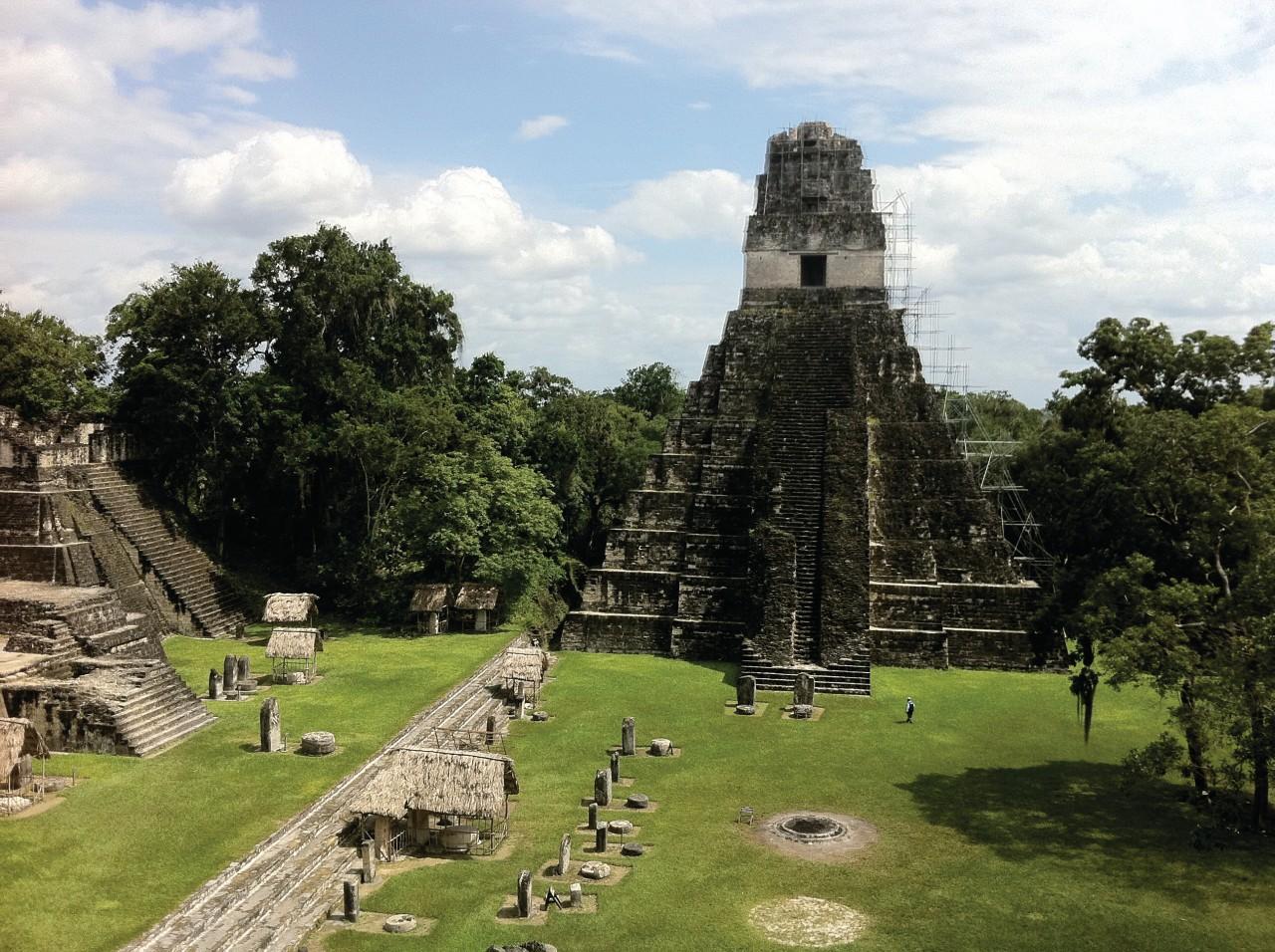 Lugar precolombino de Tikal.