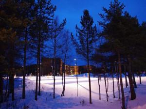 Qu'il est surprenant, au détour de la forêt, de trouver de tels bâtiments... Prise par le voyageur : Bluette67