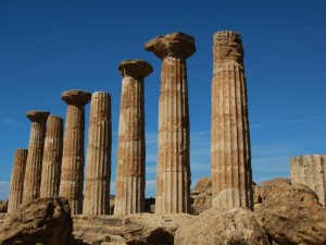 Colonnes temples Prise par le voyageur : fute_532553