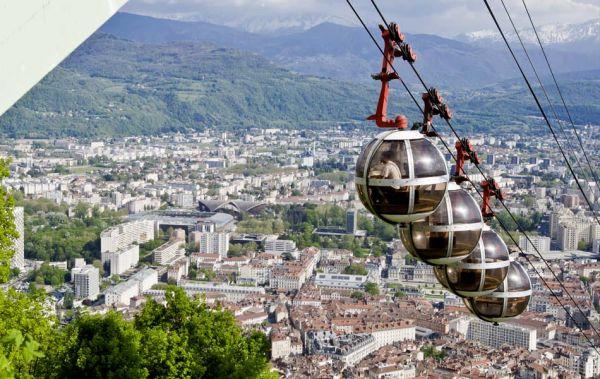 TÉLÉPHÉRIQUE DE GRENOBLE-BASTILLE Ouvrage d'art (viaduc, pont, tunnel, barrage...) Grenoble photo n° 78220 - ©TÉLÉPHÉRIQUE DE GRENOBLE-BASTILLE