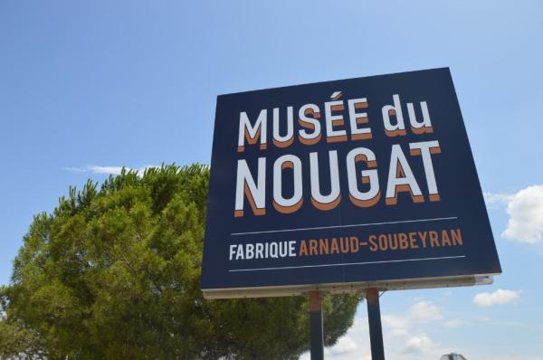 Bienvenue! - ©FABRIQUE ET MUSÉE ARNAUD SOUBEYRAN