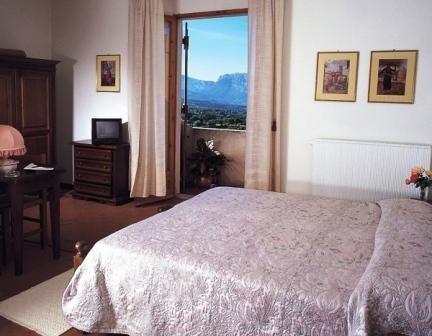 HÔTEL IL QUERCETO Hôtel Dorgali photo n° 158238 - ©HÔTEL IL QUERCETO