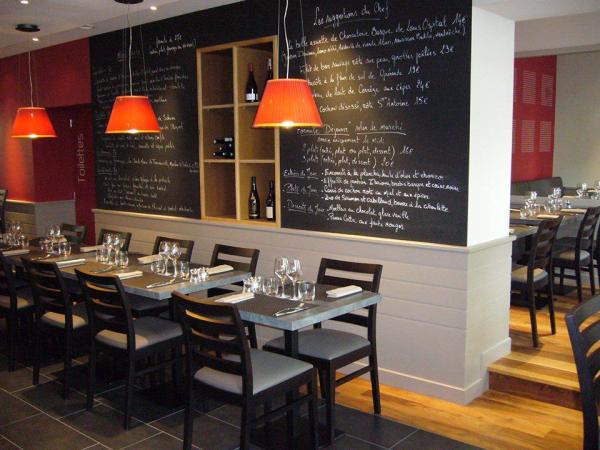 AU MARTIN BLEU Restaurants Tours photo n° 220344