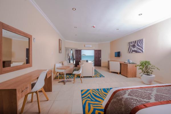 SUNBIRD HOTEL - ©MZUZU SUNBIRD HOTEL
