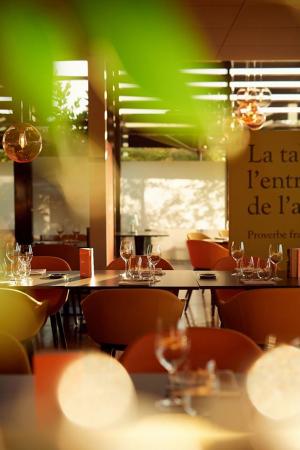 la table - ©LA TABLE DE MICHEL DUSSAU