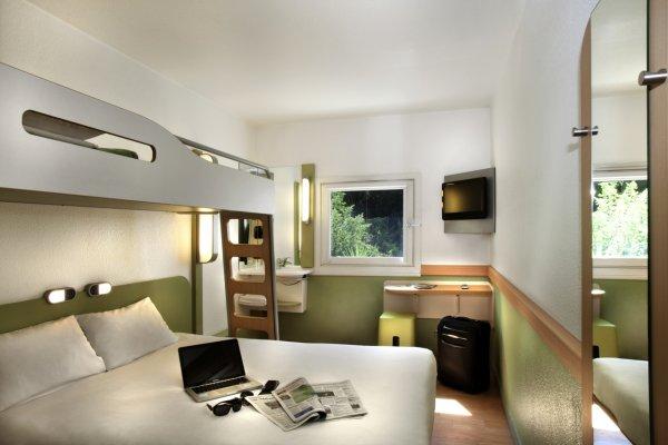 h tel ibis budget les sables olonne sur mer h tel olonne sur mer 85340. Black Bedroom Furniture Sets. Home Design Ideas