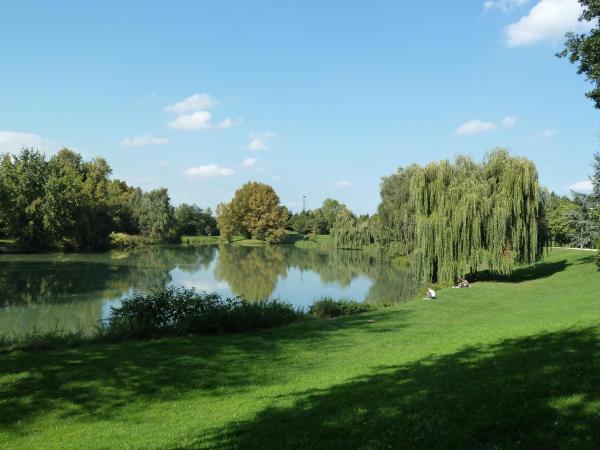 Parc de l 39 eiblen parc jardin ensisheim 68190 for Piscine ensisheim