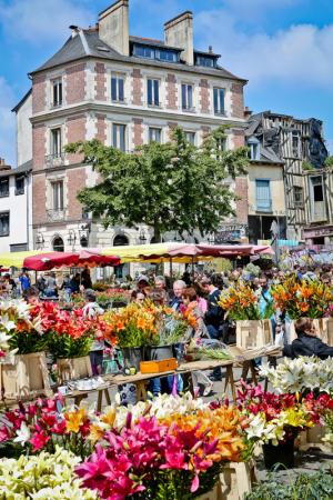 marché des Lices - ©DESTINATION RENNES - OFFICE DE TOURISME