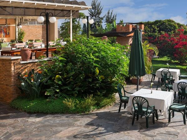 Terrasse du restaurant - ©HÔTEL DES MILLE COLLINES