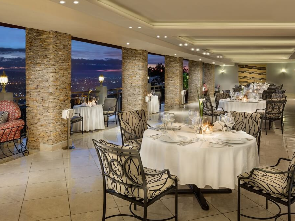 Restaurant - ©HÔTEL DES MILLE COLLINES
