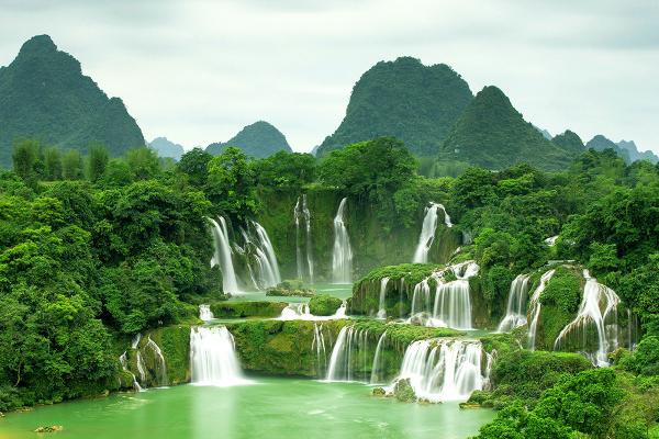 Ban Gioc waterfall - ©MR LINH'S ADVENTURES TRAVEL