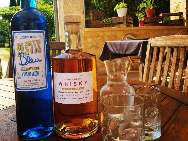 Pastis et Whisky Local - ©copyright