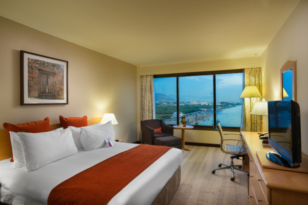 Sea View Room King - ©CROWNE PLAZA MUSCAT