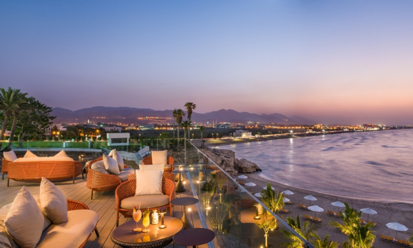 The Edge Sunset - ©CROWNE PLAZA MUSCAT