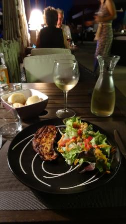 assiette - ©CÔTÉ PLAGE RIVA BELLA