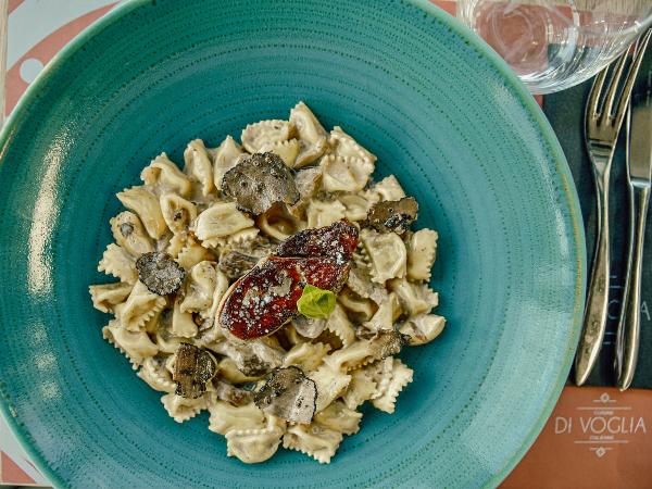 ravioles à la truffe sauce aux cèpes & foie gras poélé - ©di voglia