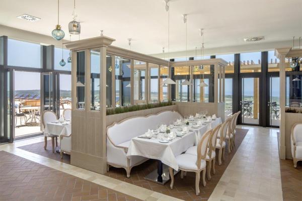 Cobalt Restaurant - ©HOTEL EVOLUTEE ROYAL