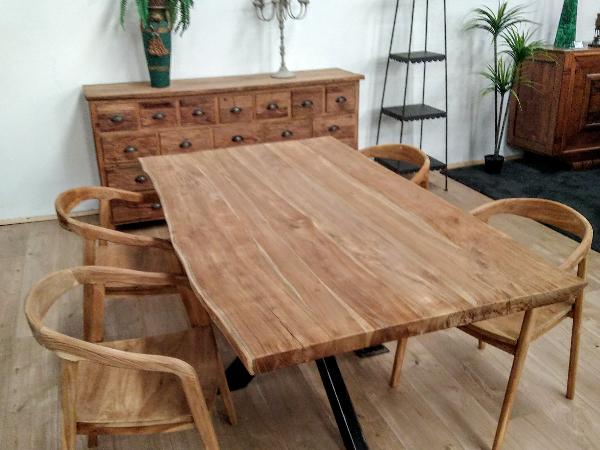 Table de Repas et Fauteuils en Teck Recyclé - ©Oplus