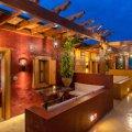 10 GR HOTEL & WINE BAR