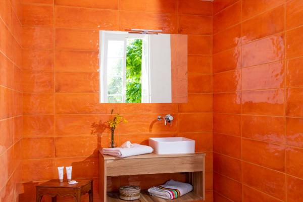 Salle de bain de Suite Muscadelle - ©Bastide Saint-Esteve