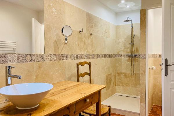 Salle de bain de Suite Syrah - ©Bastide Saint-Esteve