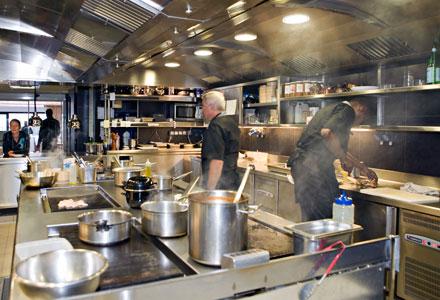 AUBERGE DU PORT MAISON GHIRIBELLI Restaurant fruits de mer – Poissons Bandol photo n° 46909 - ©AUBERGE DU PORT MAISON GHIRIBELLI