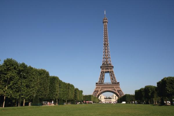 La tour eiffel monuments paris 75007 for A l interieur de la tour eiffel
