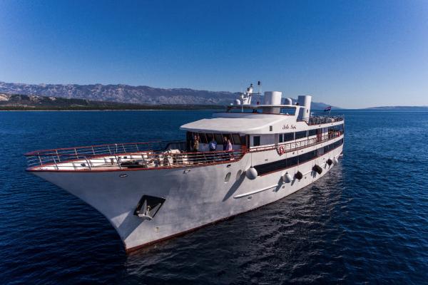 yacht supérieur