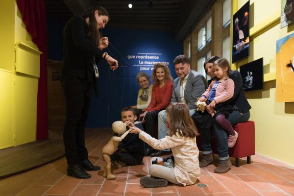 Médiation au musée des arts de la marionnette - ©Gadagne - Photo Sabine Serrad