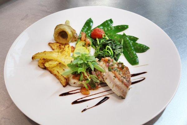 restaurant - ©LE CHÂTEAU DES ALPILLES