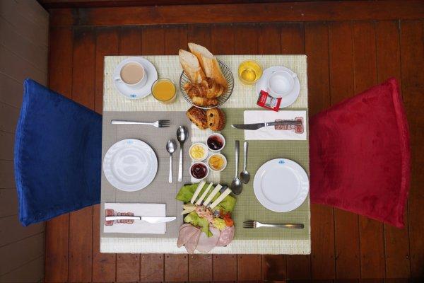 petit déjeuner - ©HÔTEL LE LAGON