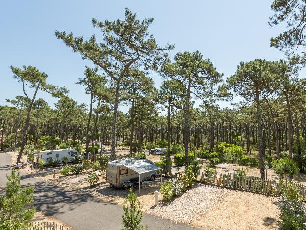 Emplacement de camping - ©Yelloh Village Les Grands Pins