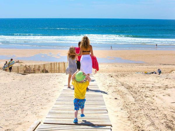 accès à la plage - ©YELLOH! VILLAGE LES GRANDS PINS