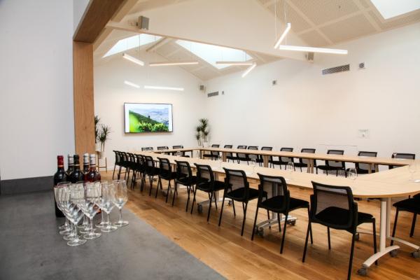 Salle de réunion - ©LA CAVE D' IROULEGUY