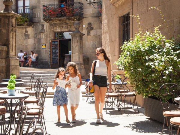 Visite pour familles - ©POBLE ESPANYOL