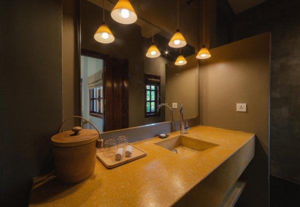 Deluxe Bathroom - ©RAMBUTAN HOTEL AND RESORT SIEM REAP