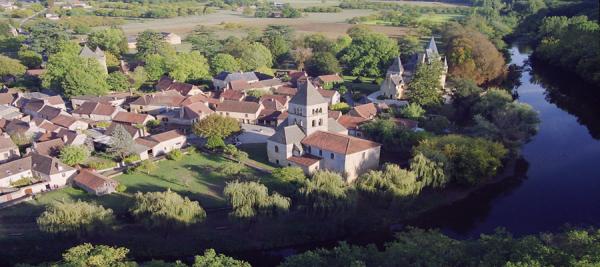 CANOËS VALLÉE VÉZÈRE Canoë Les Eyzies-De-Tayac-Sireuil photo n° 160427 - ©CANOËS VALLÉE VÉZÈRE