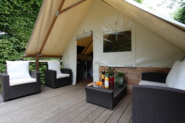cabane toilée - ©CAMPING LE PONT DE MAZERAT