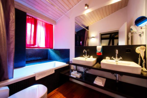 TRALALA HOTEL Hébergement Montreux photo n° 167332