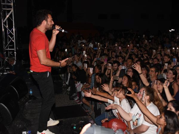 Amir au Kiss FM Live de Golfe-Juan - ©Gérald