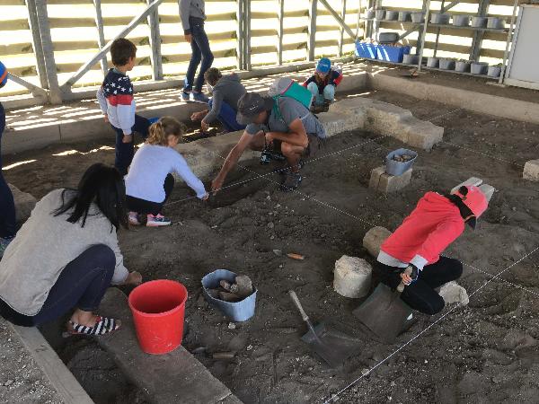Atelier fouilles archéologiques - ©A. GUITTON