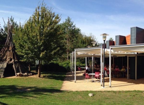 restaurant terrasse - ©LE PALÉOSITE