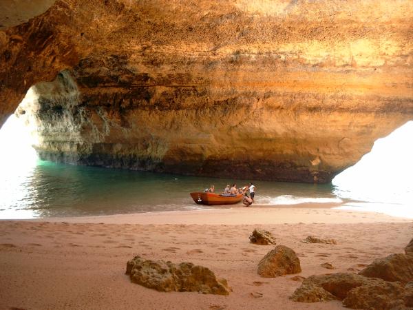 Grotte - ©CARAVELA SANTA BERNARDA
