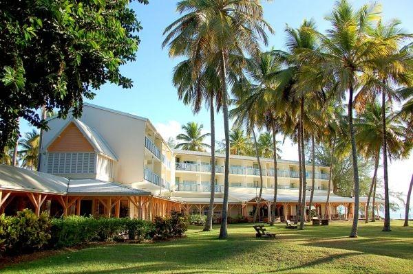 Carayou hotel spa h tel les trois lets 97229 for Hotels 3 ilets