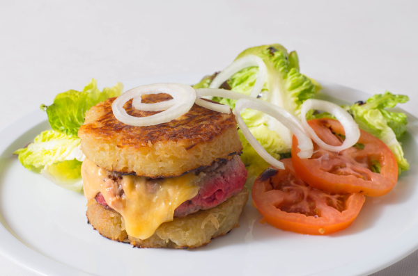 burger Charollais - ©RESTAURANT LES FUMERONS