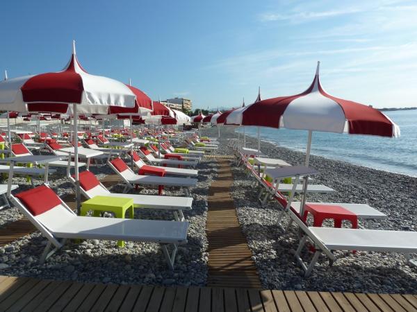 STONE BEACH Restaurant de plage Cagnes-sur-Mer photo n° 107388 - ©STONE BEACH