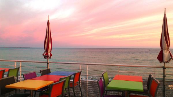 STONE BEACH Restaurant de plage Cagnes-sur-Mer photo n° 107385 - ©STONE BEACH