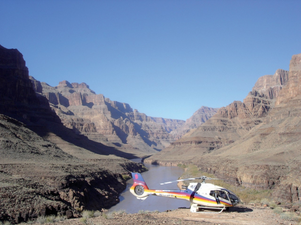 Romain THOMASSIN... - ©PAPILLON GRAND CANYON HELICOPTERS