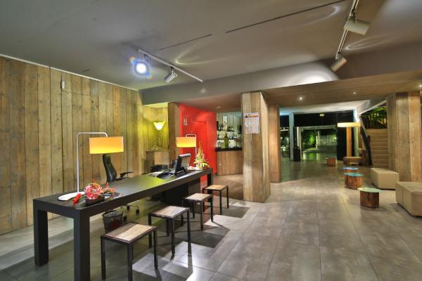 reception - ©BWA CHIK HOTEL & GOLF